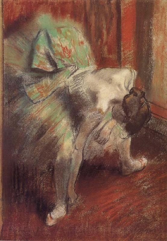 Edgar Degas ballerina in the green dress